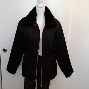 🖤👍Black Quilted Zipper Jacket W/Fur Collar Sz L